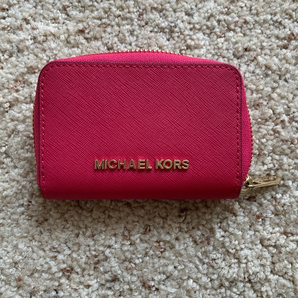 Michael Kors Handbags - Michael Kors Hot Pink ZIP Card Wallet 💕